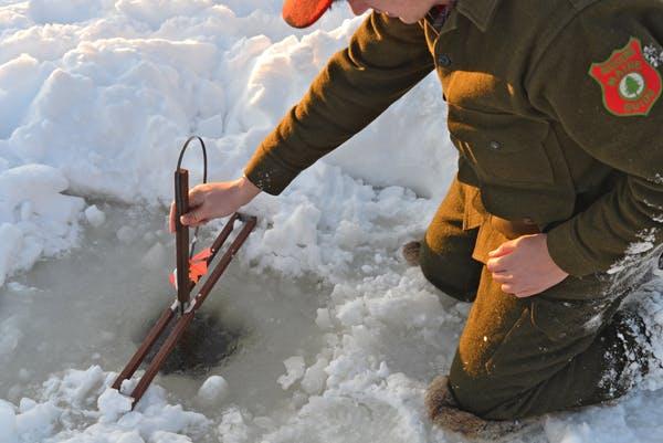 Ice Fishing - Boot & Canoe 1