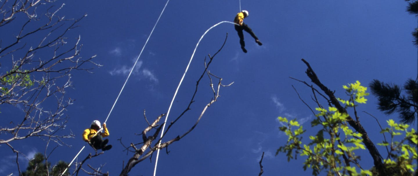 hotshots repelling down from helicopter