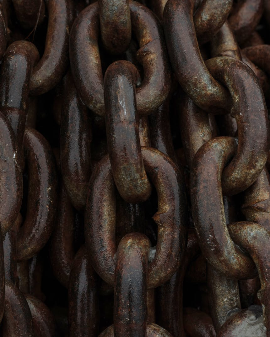 closeup detail of large rusted chain links