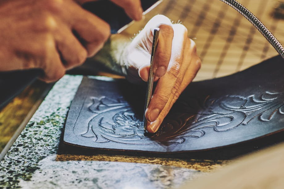 The Art of Hand Tooled Leather-Filson Leather Workshop_5