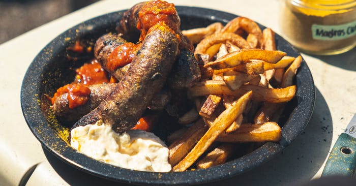 Black Bear Currywurst_1200x628