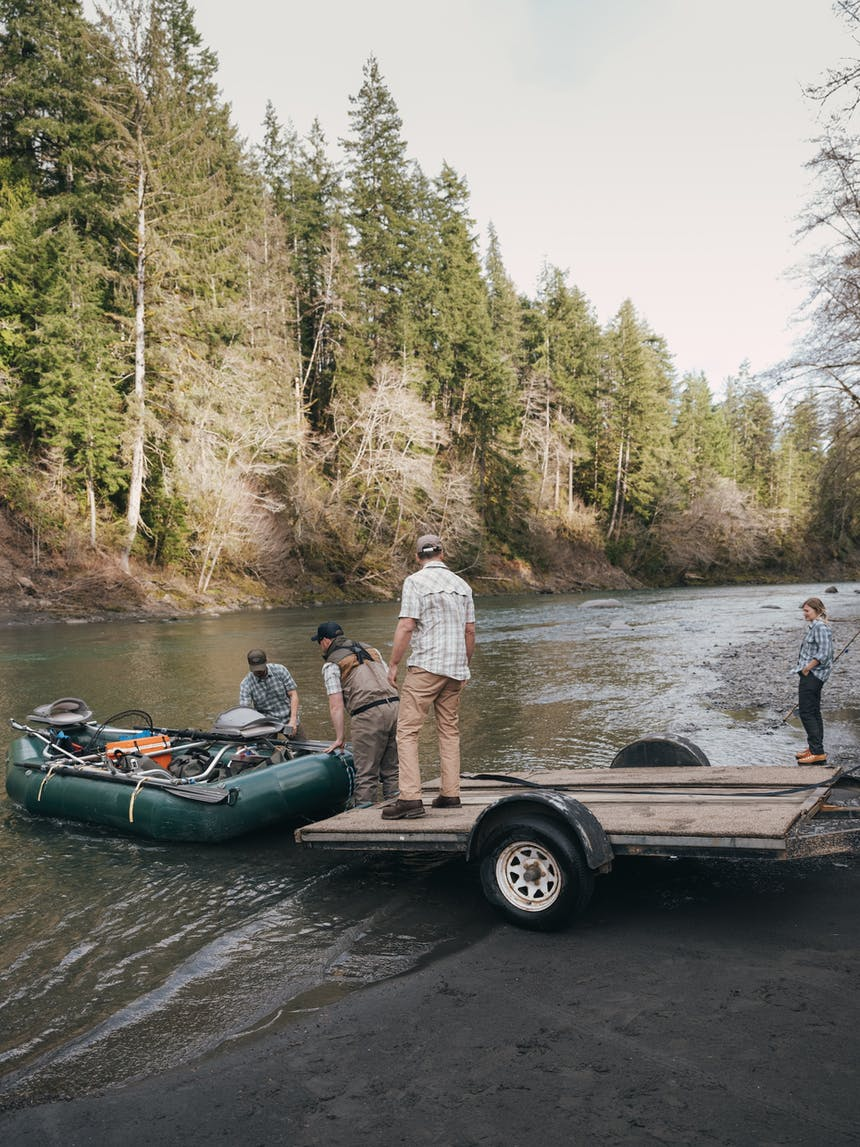 putting a drife boat into the river
