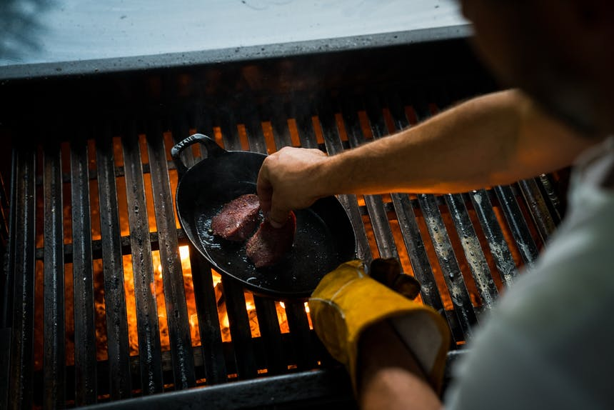 cooking steaks in cast iron skillet